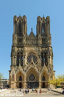 Photo : Cathédrale Notre-Dame de Reims et place du Parvis, Reims, Marne (51), Champagne-Ardenne, France
