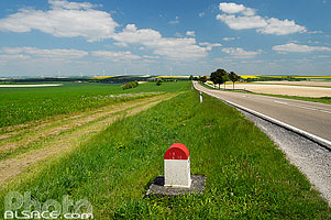 Photo : Route Nationale 4 (RN4), Coole, Marne (51)