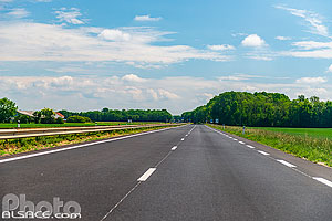 Photo : Route Nationale 4 (RN4), Hallignicourt, Haute-Marne (52)