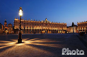 Photo : Illumination de la place Stanislas la nuit, Nancy, Meurthe-et-Moselle (54), Lorraine, France