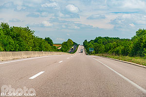 Photo : Route Nationale 4 (RN4), Aulnois-en-Perthois, Meuse (55)