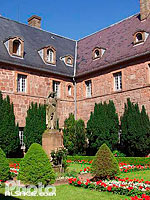 Photo : Cloitre du Mont Sainte-Odile, Ottrott, Bas-Rhin (67), Alsace, France