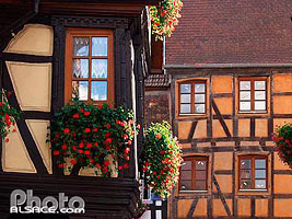 Photo : Maison Alsacienne, Place du Marche aux Grains, Bouxwiller, Bas-Rhin (67), Alsace, France