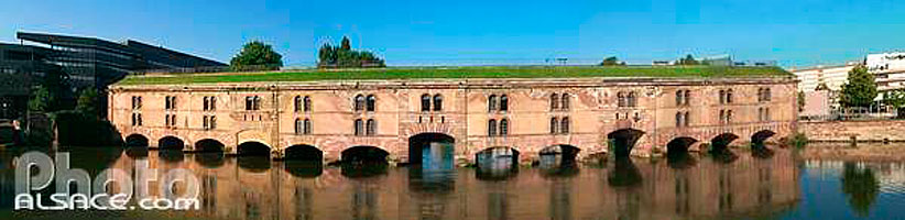 Photo : Barrage Vauban sur l'Ill, Quartier de la Petite France, Strasbourg, Bas-rhin (67), Alsace, France