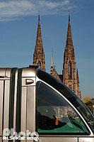 Photo : Tramway et l'église Saint-Paul, Strasbourg, Bas-Rhin (67)