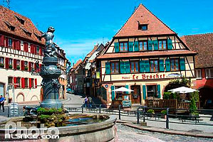 Photo : Restaurant au Brochet, Place de l'Hotel de Ville, Barr, Bas-Rhin (67), Alsace, France