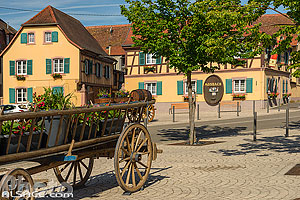 Photo : Place du Kaufhaus, Marlenheim, Bas-Rhin (67)