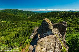 Rocher du Corbeau et point de vue sur les Vosges du Sud, Rimbach-près-Masevaux, Parc naturel régional des Ballons des Vosges, Haut-Rhin (68), Alsace, France