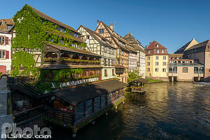 Photo : Restaurant Saint-Martin, Quartier de la Petite France, Strasbourg, Bas-Rhin (67)