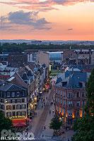 Rue du Maire Kuss la nuit dans le quartier de la Gare, Strasbourg, Bas-Rhin (67), Alsace, France