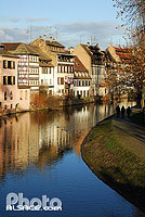 Photo : Quai de la Petite France, Quartier de la Petite France, Strasbourg, Bas-Rhin (67), Alsace, France