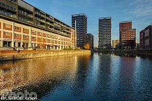 Bassin d'Austerlit, les Dock's et les trois tours Black Swans, Presqu'Île Malraux, Strasbourg, Bas-Rhin (67), Alsace, France