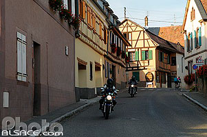 Photo : Motards, Rue Principale, Heiligenstein, Bas-Rhin (67)