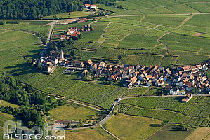Photo : Village et vignoble de Itterswiller, Bas-Rhin (67), Alsace, France