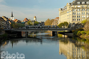 Photo : L'Ill et le pont Royal, Strasbourg, Bas-Rhin (67), Alsace, France