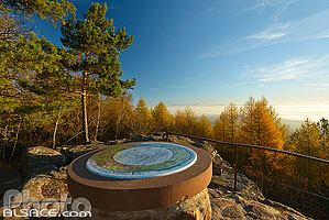Photo : Table d'orientation du rocher du Maennelstein, La Bloss, Barr, Bas-Rhin (67), Alsace, France