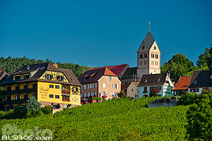 Photo : Eglise et village de Itterswiller, Bas-Rhin (67), Alsace, France
