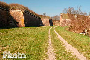 Photo : Remparts Vauban, Neuf-Brisach, Haut-Rhin (68)