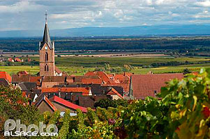 Photo : Eglise et village de Rodern et la plaine d'Alsace, Haut-Rhin (68)