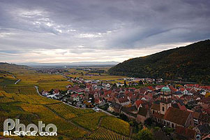 Photo : Vignes et village de Kaysersberg, Haut-Rhin (68)