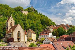 Eglise Saint-Bernard-de-Menthon et château de Ferrette, Ferrette, Sundgau, Haut-Rhin (68), Alsace, France
