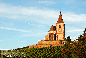 Photo : Eglise fortifiée Saint-Jacques, Hunawihr, Haut-Rhin (68), Alsace, France