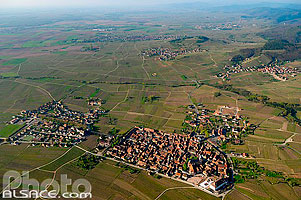 Photo : Village de Saint-Hippolyte et la plaine d'Alsace, Haut-Rhin (68)