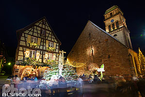 Photo : Illumination de Noël, Place de l'Eglise, Kaysersberg, Haut-Rhin (68)