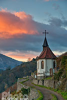 Photo : Chapelle Saint-Urbain au crépuscule, Vignoble du Rangen, Thann, Haut-Rhin (68)