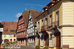 Photo : Maisons alsacienne à colombages, Grand-Rue, Kientzheim, Haut-Rhin (68)