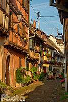 Photo : Rue du Rempart Sud, Eguisheim, Haut-Rhin (68), Alsace, France