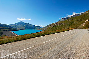 Photo : Lac du Mont Cenis et route national N6, Val Cenis, Haute Maurienne, Savoie (73)