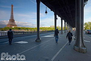 Photo : Pont de Bir-Hakeim et la tour Eiffel, Paris (75015)