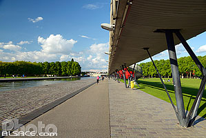 Photo : Galerie de l'Ourcq, Parc de la Villette, Paris (75019), Ile-de-France, France