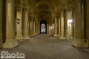 Photo : Passage Richelieu la nuit, Musée du Louvre, Paris (75001), Ile-de-France, France