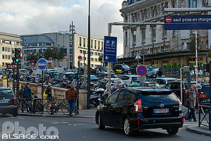 Photo : Taxis devant la gare de Lyon, Boulevard Diderot, Paris (75012)