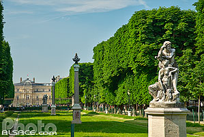 Photo : Jardin des Grands-Explorateurs Marco-Polo et Cavelier-de-la-Salle, Paris (75006)