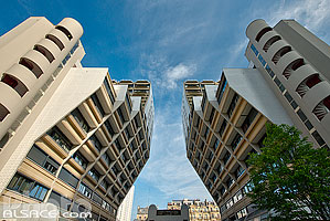 Photo : Orgues de Flandre (Ensemble de bâtiments d'habitation construit entre 1970 et 1980 par l'architecte Martin van Treeck), Avenue de Flandres, Paris (75019)