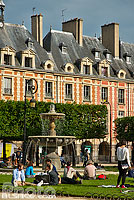 Photo : Place des Vosges, Quartier du Marais, Paris (75004)
