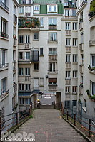 Photo : Escalier entre la rue Manin et la Butte Bergeyre, Paris (75019), Ile-de-France, France
