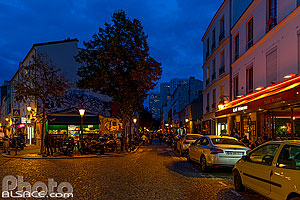 Photo : Rue de la Butte-aux-Cailles la nuit, Paris (75013)