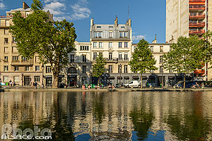 Photo : Canal Saint-Martin et Quai de Jemmapes, Paris (75010)