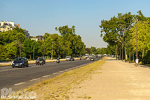 Avenue Foch (L'avenue Foch est la plus large avenue de la capitale), Paris (75016)