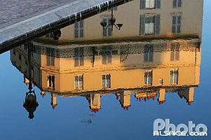Photo : Reflet dans le canal Saint-Martin, Paris (75)