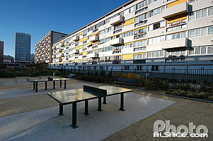 Photo : Immeuble d'habitation collectif et cour, Boulevard Auguste Blanqui, Paris (75), Ile-de-France, France