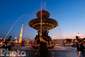 Photo : Fontaine des Fleuves et l'Obélisque, Place de la Concorde, Paris (75)