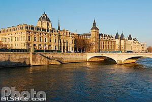 Photo : Le Tribunal de Commerce et la Conciergerie, Ile de la Cité, Paris (75), Ile-de-France, France