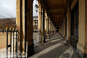 Photo : Galerie de Valois, Palais Royal, Paris (75)