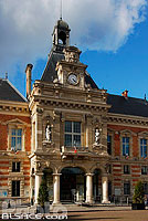 Photo : Mairie du XIXe arrondissement, Place Armand Carrel, Paris (75)