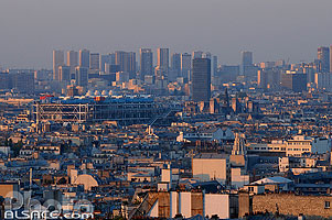 Photo : Paris (Centre Georges Pompidou et les tours du quartier Italie) vue depuis la Butte Montmartre, Paris (75)